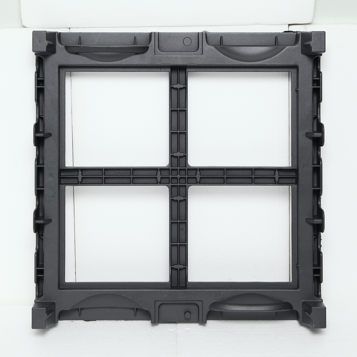 Display glass box body die-casting Featured Image